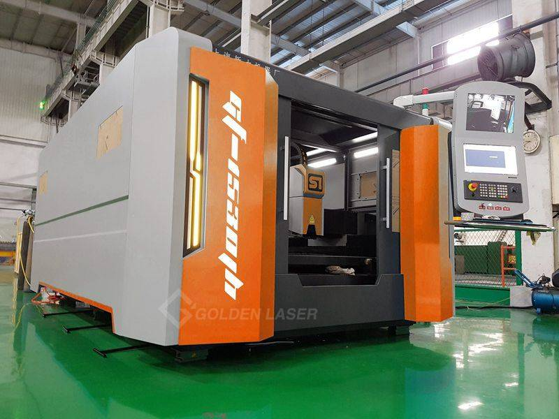 3000W Fiber Laser Cutting Machine with Double Pallet Changer