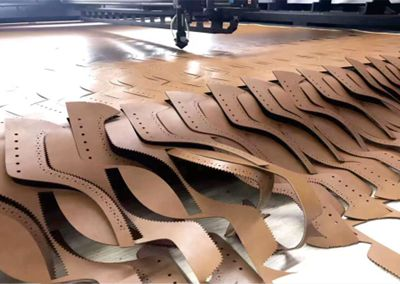 laser cutting in shoes factory